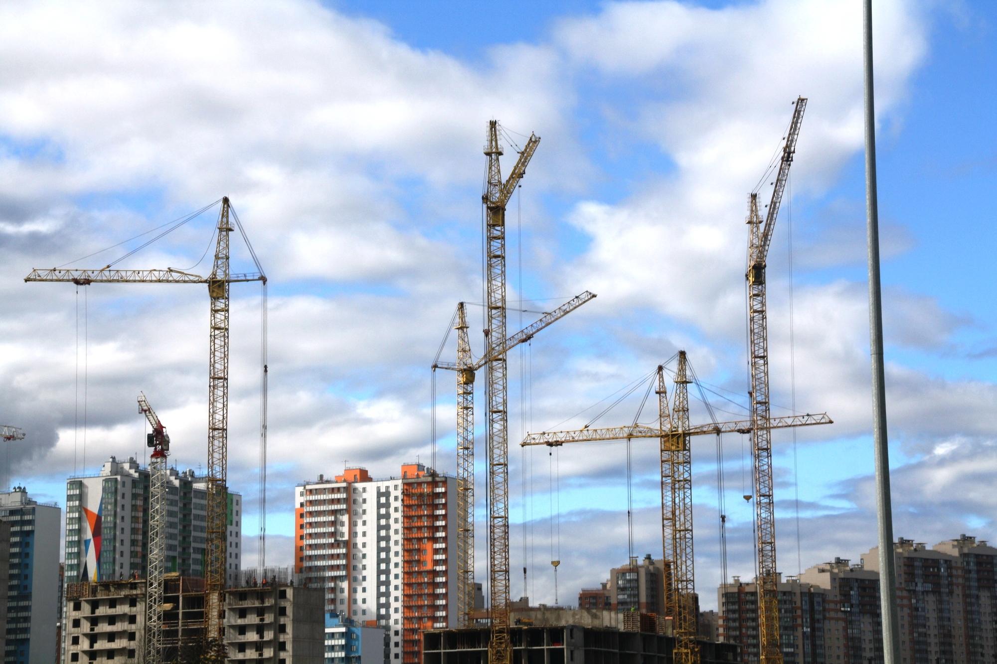 Рынок недвижимости Петербурга ждет крах по вине Александра Беглова